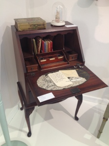Bureau with sewn letter.